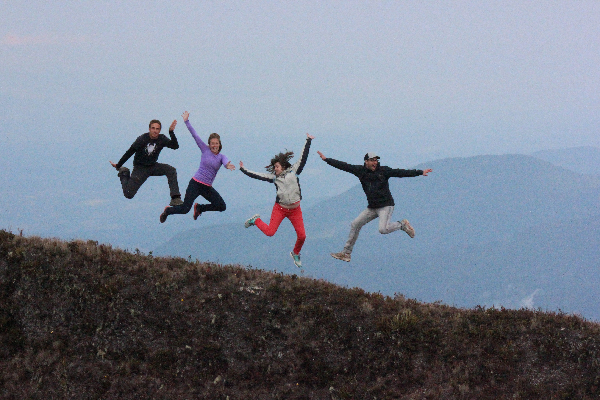 Group jumping on Baru
