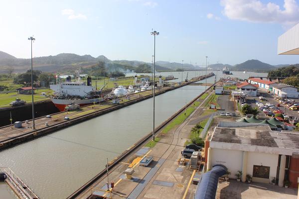 sinking ship panama canal3