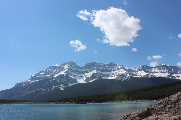 7. Lake and Mountain