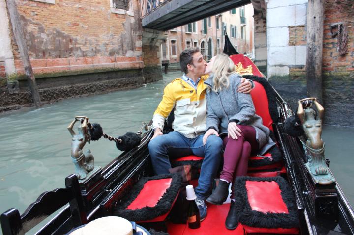 17. Romance in Gondola